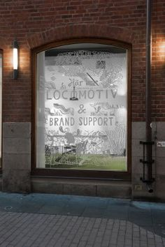 Locomotiv's Clean and Open Advertising Offices