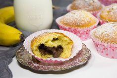 Letze Woche habe ich bei Blueboxtree unter anderem schöne Muffin-/Cupcakeförmchen bestellt. Und diese bekamen am Wochenende natürlich gleich ihren ersten Einsatz. Nach kurzem Überlegen kamen mir die fluffigsten und leckersten Bananen-Muffins mit Nutella-Kern in den Sinn, die ich unbedingt mal...