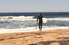 Πρέπει πλέον να το καταλάβουμε, όταν κάποιος λέει ότι κάνει surf στην Ελλάδα δεν εννοεί windsurf!Δεν είναι λίγες οι φορές.. Surf Forecast, Surfing, Beach, Places, Water, Outdoor, Gripe Water, Outdoors, The Beach