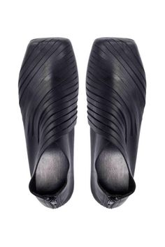 Gartenbank - handmade shoes Black leather flats, striped flats