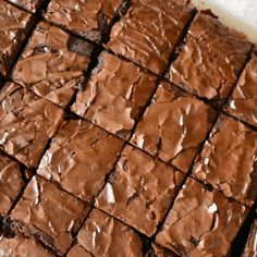 Treat yourself to these divine Nutella Brownies. A super simple chocolate brownie recipe with added Nutella for the perfect gooey treat. Chocolate Brownie Recipe Easy, Easy Nutella Brownies, Brownie Desserts, Best Brownies, Brownie Recipes, Banana Nutella Muffins, Sweet Roll Recipe, Nutella Recipes, Delicious Desserts