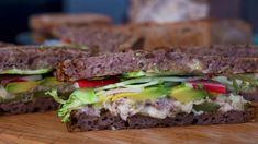 Makrellsandwich med brokkoli Picnic, Sandwiches, Beef, Baking, My Favorite Things, Recipes, Food, Meat, Patisserie