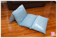 DIY Pillow Lounger using Waverly Fabric - Sewing Projects Pillow Lounger, Backrest Pillow, Pillow Beds, Baby Pillows, Floor Pillows, Throw Pillows, Baby Gifts To Make, Waverly Fabric, Diy Cushion
