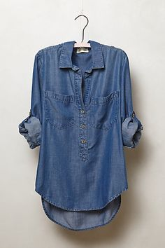 Love this denim top. Stitch fix inspiration. Try stitch fix :) personal styling… Look Fashion, Autumn Fashion, Fashion Outfits, Womens Fashion, Street Fashion, Fashion Trends, Stitch Fix Outfits, Denham Jeans, Mrs Always Right