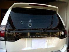 #19M Así quedo uno de los carros de una familia en Rubio #Táchira pic.twitter.com/OlL39Guwg0