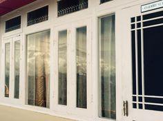 Capturing the himalayas through the window #himalayas #himachalpardesh #thanedar #photography