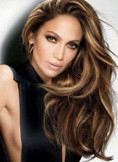 Si eres morena, estos tintes de cabello te encantarán! | Tintes de #cabello para morenas | Ideas de tintes de cabello | Cabello con luces. #jenniferlopez