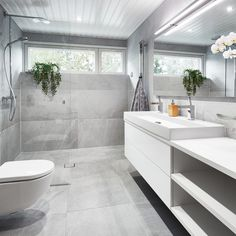 Village House Design, Village Houses, Bad Inspiration, Bathroom Inspiration, Sauna, Beautiful Homes, Sweet Home, New Homes, Bathtub