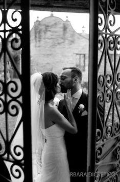 barbaradicretico photography italy  kiss, bride, groom, old italy, grottammareitaly, barbara di cretico photography,italy
