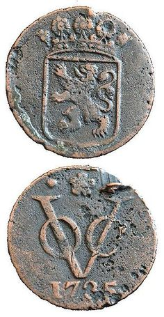 "Two sides of a duit, a coin minted in 1735 by the VOC. This Day in History: Mar 20, 1602: Dutch East India Company founded <a href=""http://dingeengoete.blogspot.com/"" rel=""nofollow"" target=""_blank"">dingeengoete.blog...</a>"