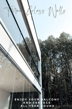 With glass facades you're able to enjoy your terrace and balcony no matter what the weather is like. Minimalist Garden, Minimalist Design, Interior Styling, Interior Decorating, Glass Facades, Modern Architecture House, Backyard Landscaping, Habitats, Outdoor Gardens