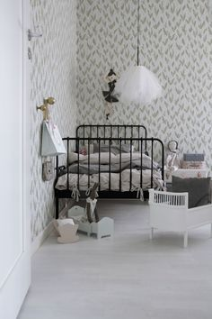 kids room via gingerbreadhouse..charmante chambre d'enfant fille girl