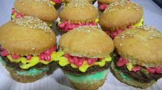 Natali's cooking. Cup cakes burger.