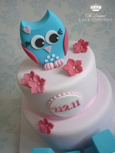 Owl Christening Cake- this is so cool. Owl Cakes, Cupcake Cakes, Cute Cakes, Pretty Cakes, Owl Cake Toppers, Gateaux Cake, Communion Cakes, Novelty Cakes, Love Cake