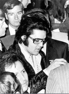 In a crowd, he's still so uniquely distinct. At the Jaycee's Jan 16, 1971 (foreground, Joe Esposito)