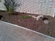 side garden bed install (2)