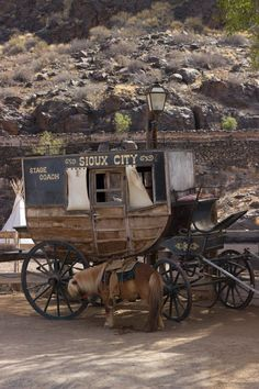 Join us for a fun filled day excursion to Sioux City Park in Gran Canaria. Let´s travel back to western times! Travel With Kids, Us Travel, Grand Canaria, Sioux City, Travel Gadgets, Hee Haw, Travel Aesthetic, Park City, Cannon