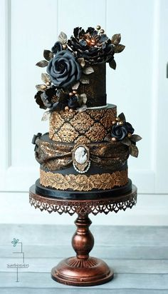 Sweetlake Cakes. How about the most beautiful cake ever made!