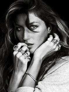 || great pose / finger on lips / errant strand of hair / looking sideways / Gisele Bundchen for David Yurman Fall 2012