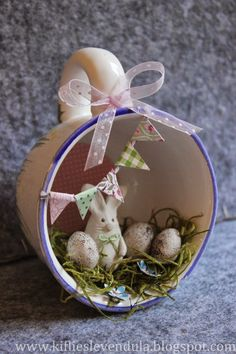 Spring Crafts, Holiday Crafts, Holiday Decor, Decor Crafts, Diy And Crafts, Teacup Crafts, Easter Table Decorations, Easter Parade, Easter Activities