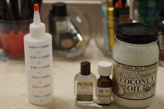 Scalp Remedies Whenever my scalp is dry I use my DIY itch reliever mixture to get rid of the itches that can drive me crazy. This mixture is super simple to make and it leaves my scalp feeling refreshed. This rec… Itchy Scalp Treatment, Itchy Scalp Remedy, Dry Skin Remedies, Hair Remedies, Natural Remedies, Natural Hair Care Tips, Hair Supplies, Black Hair Care, Hair Scalp