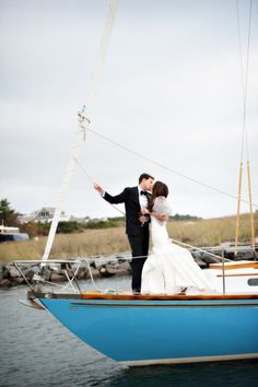 Coastal summer wedding destinations in the USA: http://www.stylemepretty.com/2014/07/01/coastal-summer-wedding-destinations-in-the-u-s-a/ | Photography: www.personkillian.com