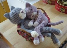Ravelry is a community site, an organizational tool, and a yarn & pattern database for knitters and crocheters. Crochet Gifts, Crochet Toys, Knit Crochet, Sock Animals, Knitted Animals, Crochet Cat Pattern, Crochet Patterns, Magic Circle Crochet, Cat Doll