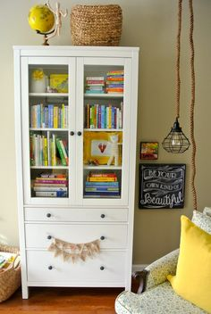 love this little reading nook!