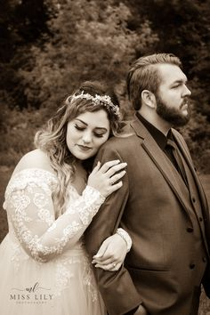 Sepia toned wedding couple by Central Michigan wedding photographer Lily Angiolini of Miss Lily Photography.  #wedding #bride #groom #couple #misslilyphotography