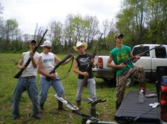Country, trucks, camo, guns, cute guys this picture just has everything!