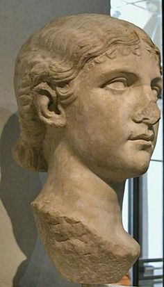 Antonia Minor (36 BCE-37 CE), Augusta; younger daughter of Octavia and Mark Antony, wife of Drusus the elder, mother of Claudius, grandmother of Caligula Portrait head in marble as a young girl. Augustan Age. Rome, Palazzo Palazzo Massimo alle Terme (National Museums).