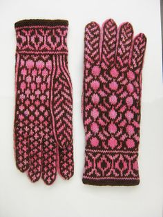 Ravelry: Red Bud Gloves pattern by Alexis Winslow