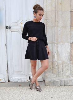 #jupesuédine #suedette #suédine #jupepatineuse #jupenoire #blackskirt #ootd #fashioninspiration #look #fashion #mode http://topknotandteacups.com/jupe-suedine-noir-bo-xl/