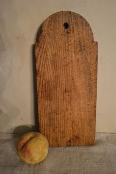 curated collection of American treen ware Wooden Bread Board, Primitive Antiques, Blue Dog, Wood Creations, Paddles, Cutting Boards, Primitives, Objects, Kitchen