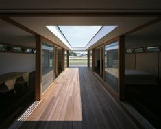 TEZUKA ARCHITECTS. Courtyard House in Vegetable Field Japanese Architecture, Contemporary Architecture, Glass Pavilion, Roof Window, Courtyard House, Japanese Design, Architect Design, Entry Doors, Stairways