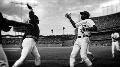 Who invented the high five? #thehighfive #whodoneit  #GlennBurke