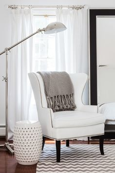 A white sitting nook | Sissy and Marley