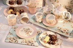 الإبداعية بلايز كاتي أليس المنزلية زهرة رث شيك الكيك والبسكويت علب، مجموعة من 2: Amazon.co.uk: مطابخ و الرئيسية