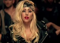 I love the bandana with her hair.I'm going to try this. Judas Lady Gaga, Lady Gaga Music, Lady Gaga Hair, Bandana, Celebs, Celebrities, Confessions, Her Hair, Celebrity Style