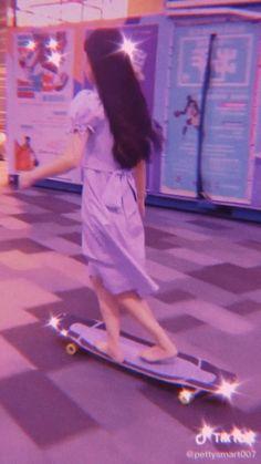 Badass Aesthetic, Aesthetic Indie, Aesthetic Videos, Aesthetic Girl, Aesthetic Pictures, Skateboard Videos, Skateboard Deck Art, Skateboard Design, Skateboard Girl