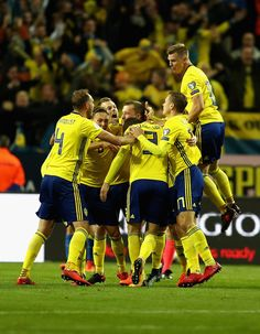 Jakob Johansson of Sweden celebrates scoring his sides first goal with his team mates during the FIFA 2018 World Cup Qualifier Play-Off: First Leg between Sweden and Italy at Friends arena on November 10, 2017 in Solna, Sweden. - 95 of 126