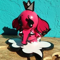 Check out this fresh munny done by Miami artist Alex Yanes. We have never seen him do a custom munny before and we hope he does more in the future because this is amazing! Bravo! Bravo!