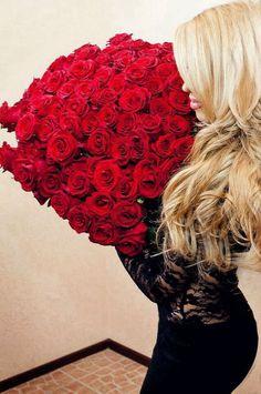 Rusa y flores: http://luxury.mundiario.com/articulo/mundilife/millonarias-rusas-rodeadas-flores-son-nueva-obsesion-instagram/20140720233935002750.html #flores