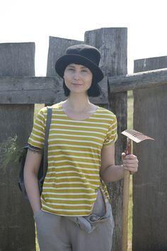 Sommermode 2013 - Ideal an heißen Sommertagen! Leichtes, zweifarbiges Ringelshirt aus weicher Baumwolle, das mit seinem angedeuteten A--Schnitt schön locker sitzt. Von solchen Shirts kann man nie genug haben!