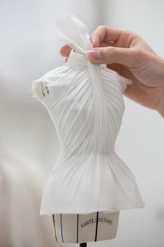 Couture Outfits, Couture Dresses, Couture Clothes, Couture Sewing, Dior Couture, Christian Dior, Draping Techniques, Recycled Dress, Rainbow Fashion