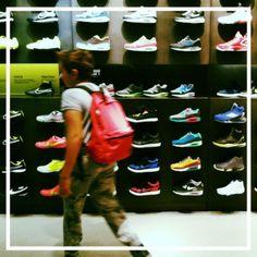 #shopping #fashion #shoes #nike a #bologna #scarpe #vivoemiliaromagna #vivoitalia #vivobologna #emiliaromagna  #ig_bologna #volgobologna #volgoemiliaromagna #volgoitalia #igfriends_emiliaromagna_ #igers #igersbologna #ig_bologna #igersemiliaromagna  #ig_emiliaromagna #ig_emilia_romagna