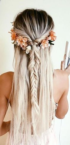 34 Gorgeous Trendy Wedding Hairstyles for Long Hair frisuren haare hair hair long hair short Wedding Hairstyles For Long Hair, Braids For Long Hair, Down Hairstyles, Trendy Hairstyles, Straight Hairstyles, Gorgeous Hairstyles, Long Haircuts, Bridesmaid Hairstyles, Layered Hairstyles