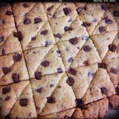 三度目でとりあえず満足しました!  レシピをメモします!  ドルチェ使用だから、 サクサク軽いのかもしれないです。  今度はフラワーで作ってみようと思います! - 141件のもぐもぐ - 再現!フードムードの新チョコとココナツのクッキー by minami