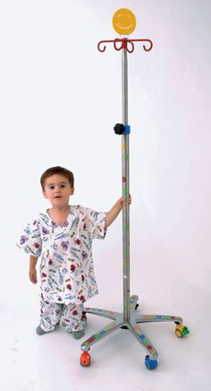 TUTORIAL TUESDAY  How to calculate maintenance fluid requirements in children, by Davis's Drug Guide     1. Body Surface Area Method (commonly used in children >10kg):1500–2000mL/m2/day ÷ 24 = fluid rate in mL/hrExample: Calculate maintenance fluids in mL/hr for a child with a BSA = 0.8 m2.Answer: 1500mL/m2/day × 0.8 m2 = 1200mL/day ÷ 24 hr = 50mL/hr2000mL/m2/day × 0.8 m2 = 1600mL/day ÷ 24 hr = 66.6mL/hrRange: 50–66.6mL/hr.2. Body Weigh