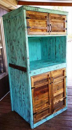 Upcycled Pallet Kitchen Hutch - 101 Pallet Ideas